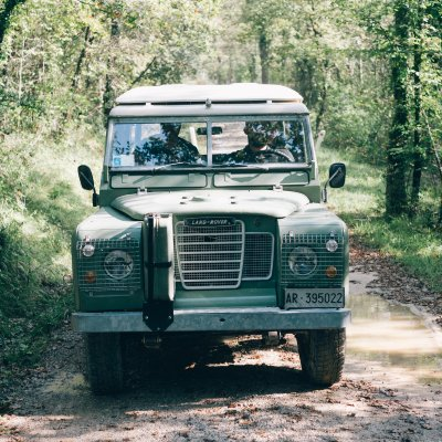 Land Rover Defender in Tuscany