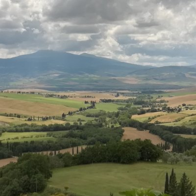 Val d'Orcia landscape between Pienza and Montepulciano