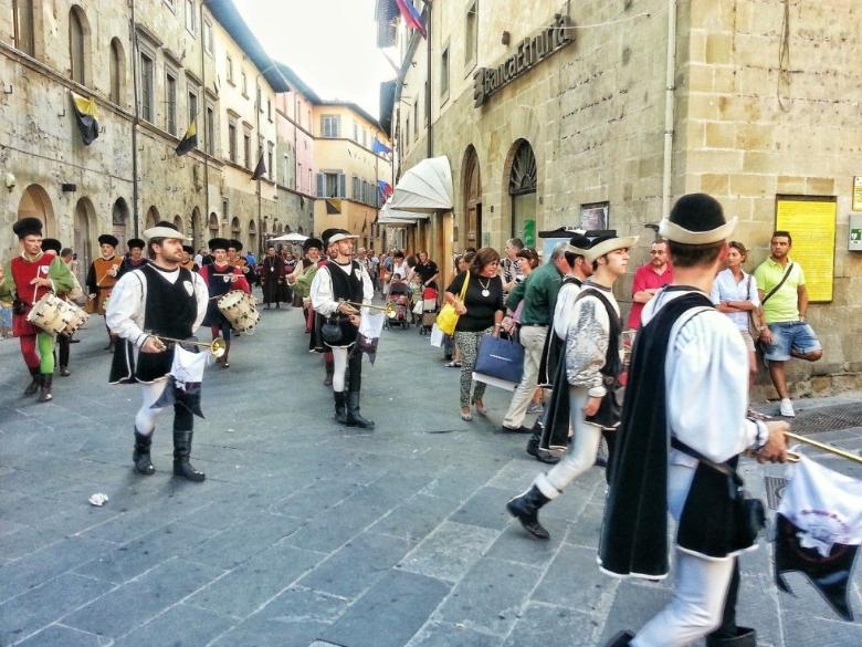 Procession before Palio della Balestra
