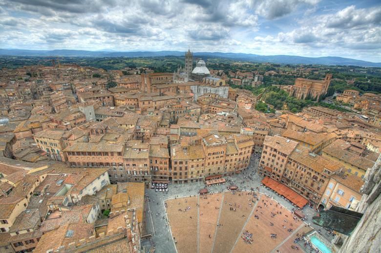A glimpse of Siena from the top of Torre del Mangia