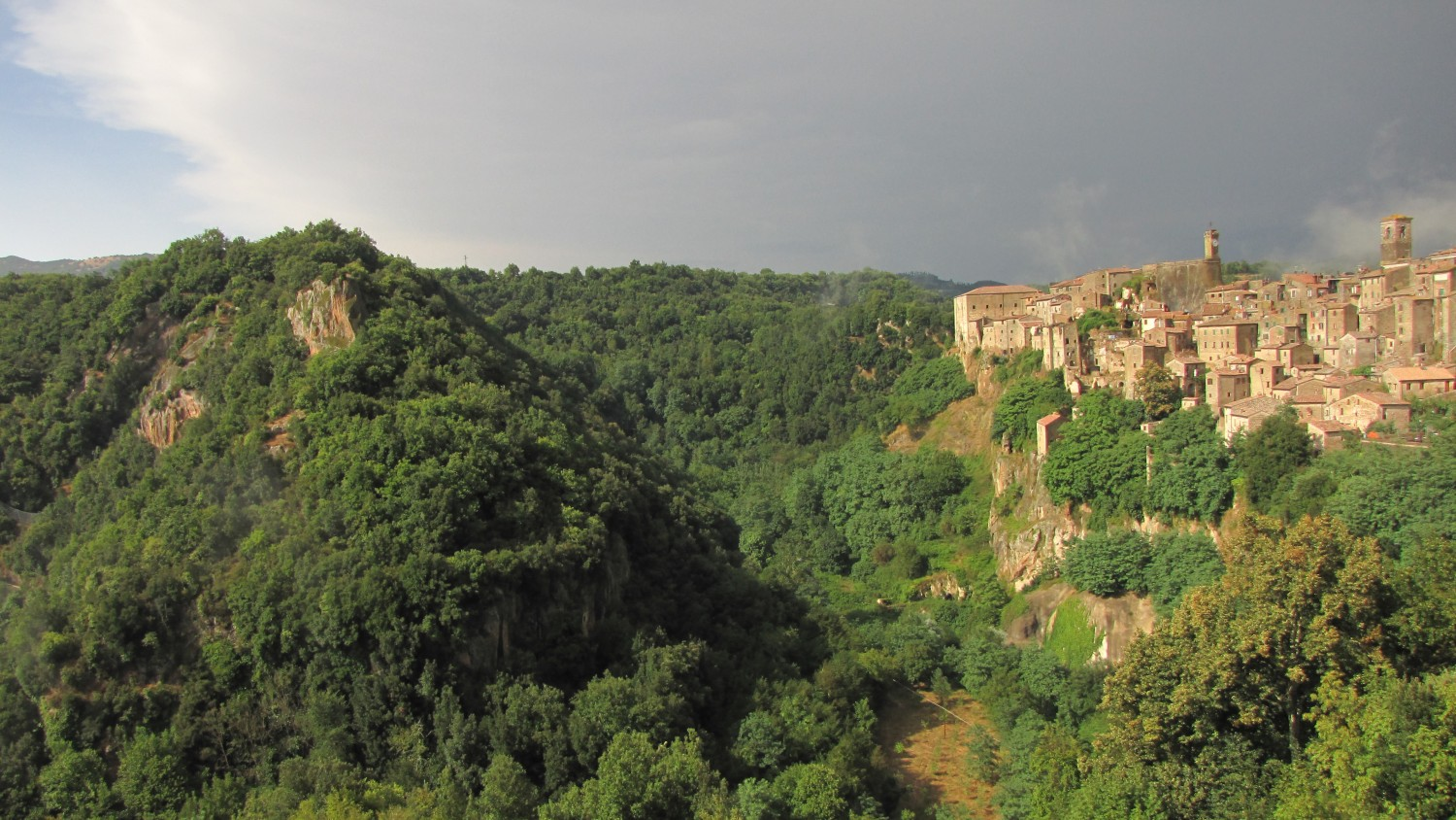 A view of Sorano [Photo Credits: Alessandro Zilio]