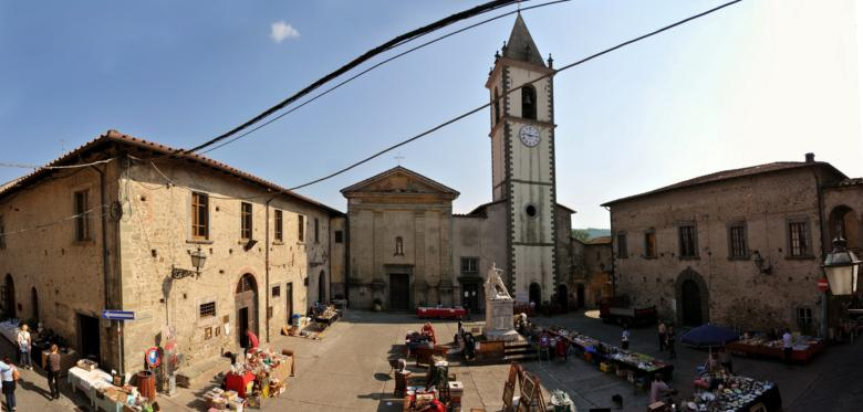 Piazza di Filetto, Villafranca in Lunigiana